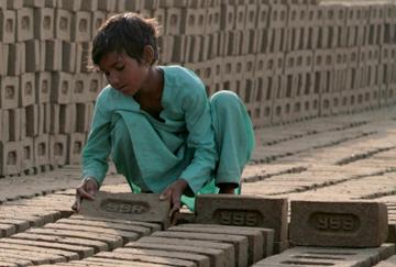Child in India brick kiln