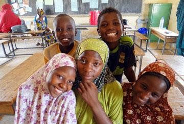 Niger slave descend children in school