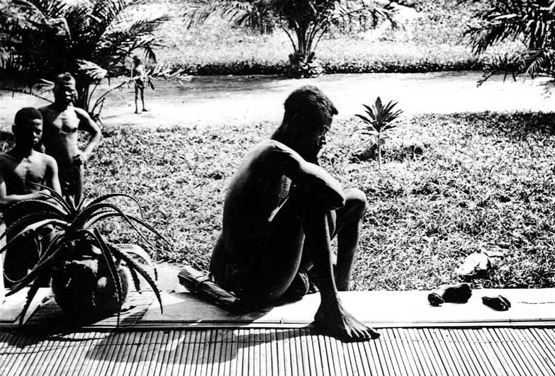 Man with the hand and foot of his five year old daughter. Alice Seeley Harris, who documented Belgian Congo abuses for Anti-Slavery Society.