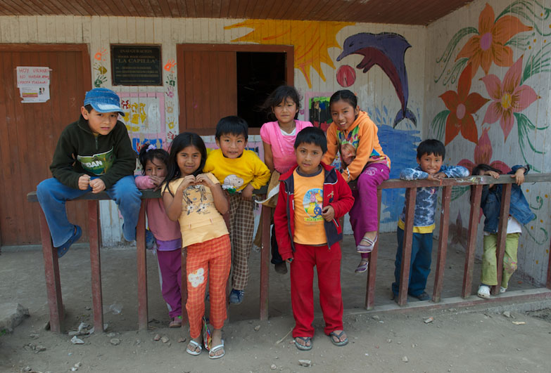 Children in Peru outside community centre for domestic workers