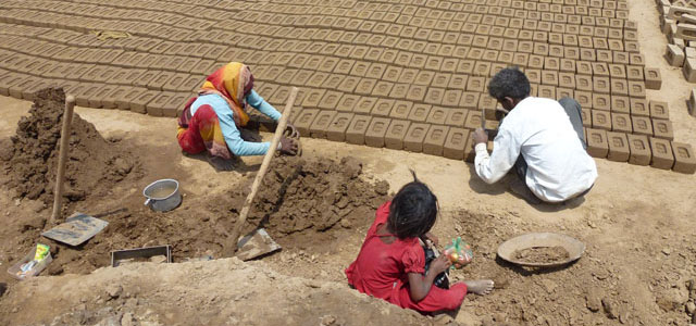 workers in indian brick kilns