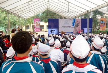 people at conference at Vietnam