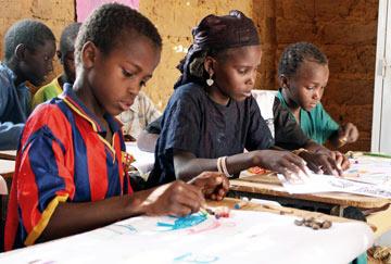 Niger children of slave descent in school
