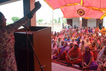 Women affected by bonded labour advocating for their rights in India